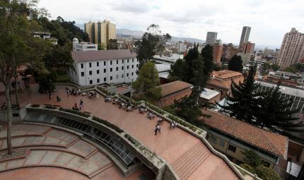 Campus edificio uniandes