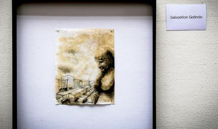 Dibujo en servilleta de busto humano