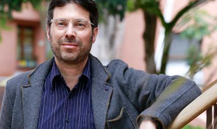 Ricardo Sarmiento Gaffurri, profesor de diseño y nuevo director del Departamento de Diseño de la Universidad de los Andes.