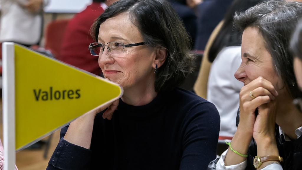 Mujeres participantes en talleres de valores Uniandes