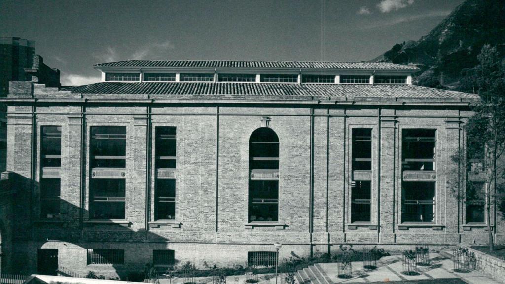 Edificio Pedro Navas, Bloque RGA. Foto de la década de los 60, tomada por el arquitecto Germán Téllez.