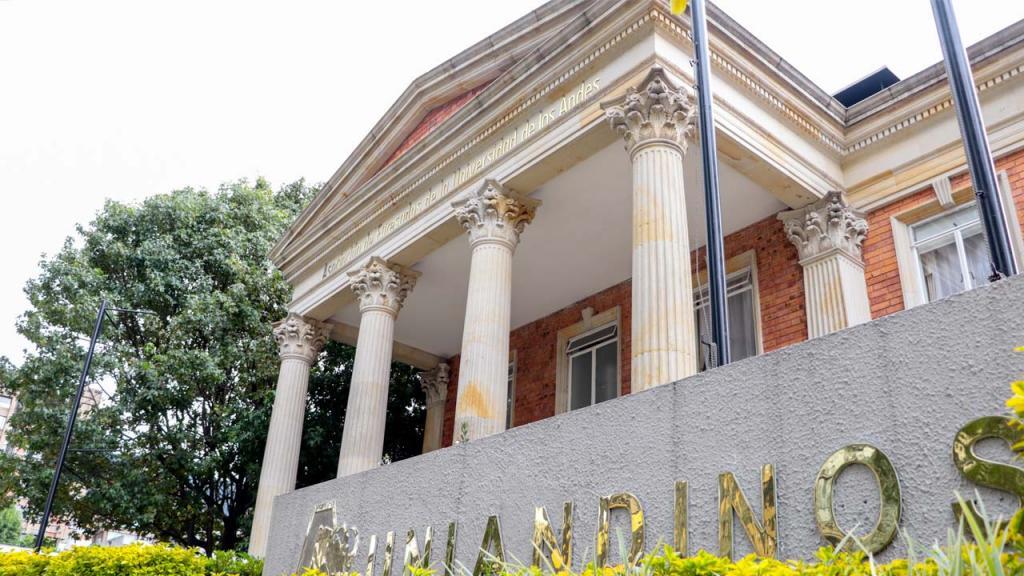 Edificio Asociación de Egresados de la Universidad de los Andes