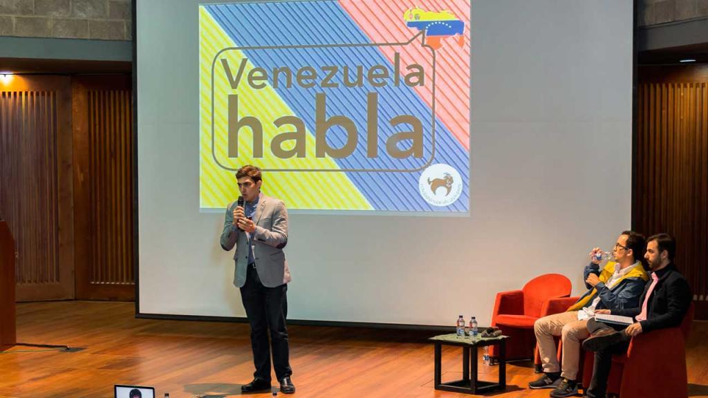 Imagen del evento #Venezuelahablaenuniandes. Estudiantes de los dos países en el auditorio Mario Laserna.