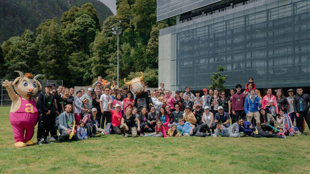 Grupo de asistentes a Vive el deporte Uniandes