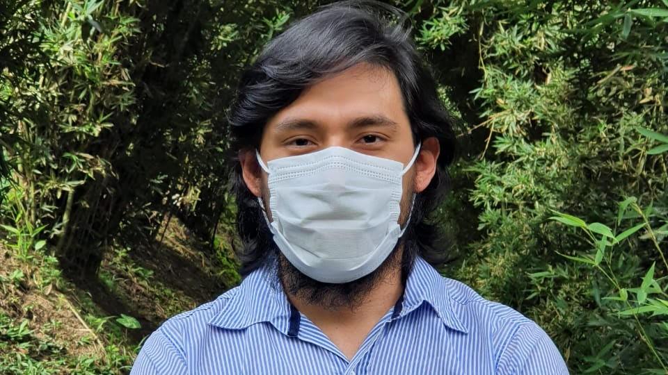 Foto de Yuldor Caballero, médico del proyecto Covida